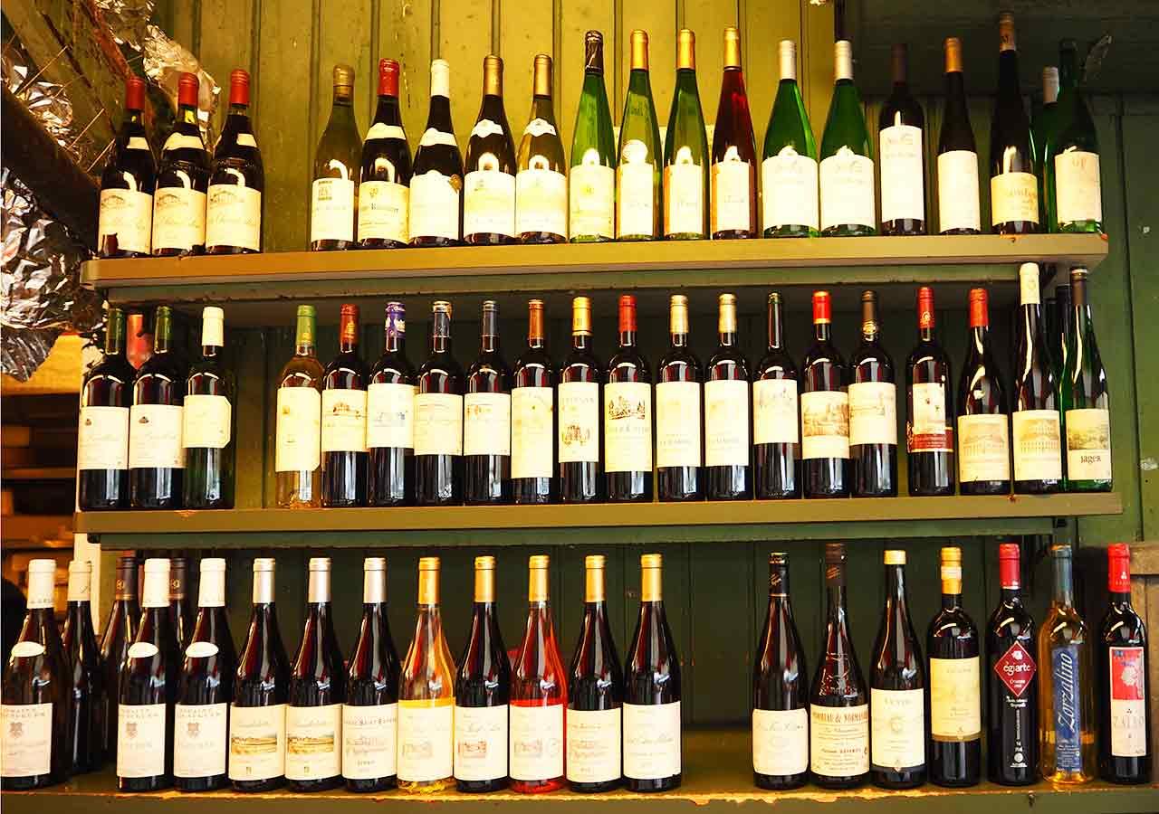 ミュンヘン観光 ヴィクトアリエンマルクト(Viktualienmarkt) ワイン