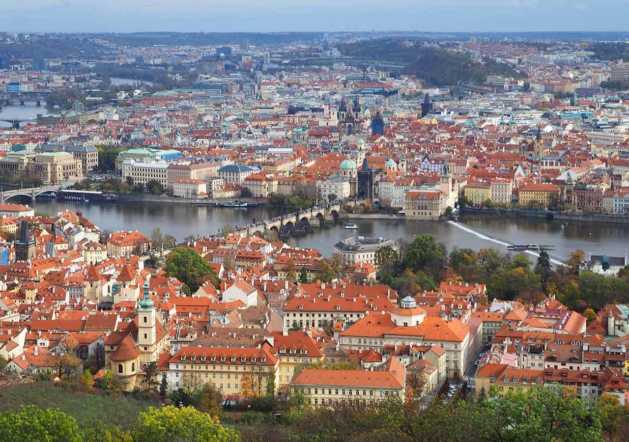 プラハ観光 ペトシーンの丘展望台(Petřínská rozhledna) 展望台からの景色