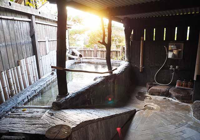 熊本県小国町 わいた温泉郷 旅館 山翠 本館家族露天風呂