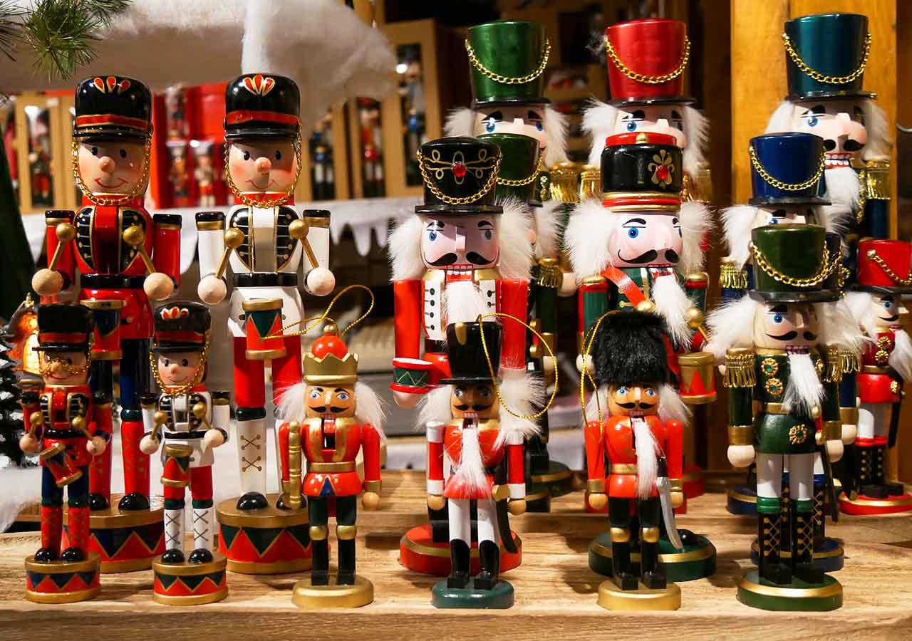 プラハ観光 クリスマスマーケット おもちゃ