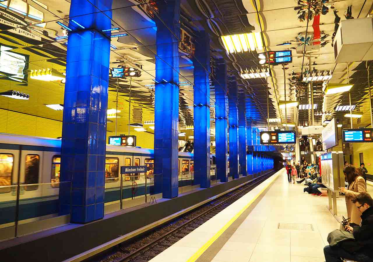 ミュンヘン観光 公共交通機関 地下鉄Uバーンの電車