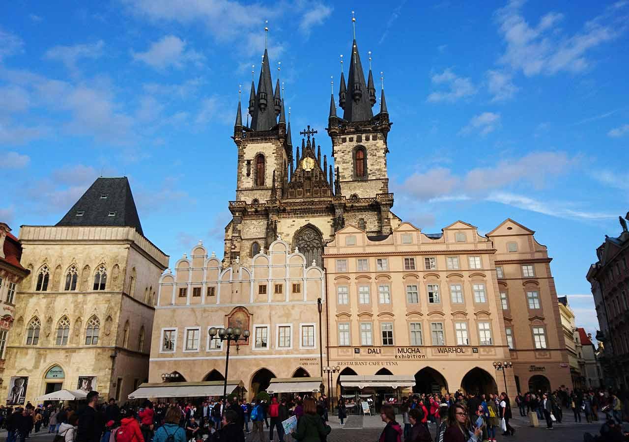 プラハ観光 旧市街広場(Staroměstské náměstí)