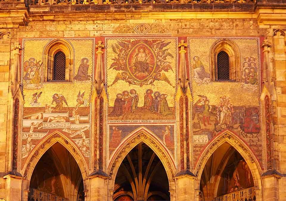 チェコ観光 プラハ城(Pražský hrad) 第三の中庭(3. nádvoří) 聖ヴィート大聖堂(Katedrála sv. Víta) 最後の審判のモザイク画