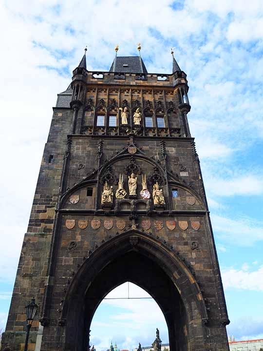 プラハ観光 カレル橋(Charles Bridge)  旧市街の橋塔