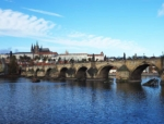 「プラハのカレル橋完全ガイド!聖人像、夜景、写真撮影スポット全て教えます」 トップ画像