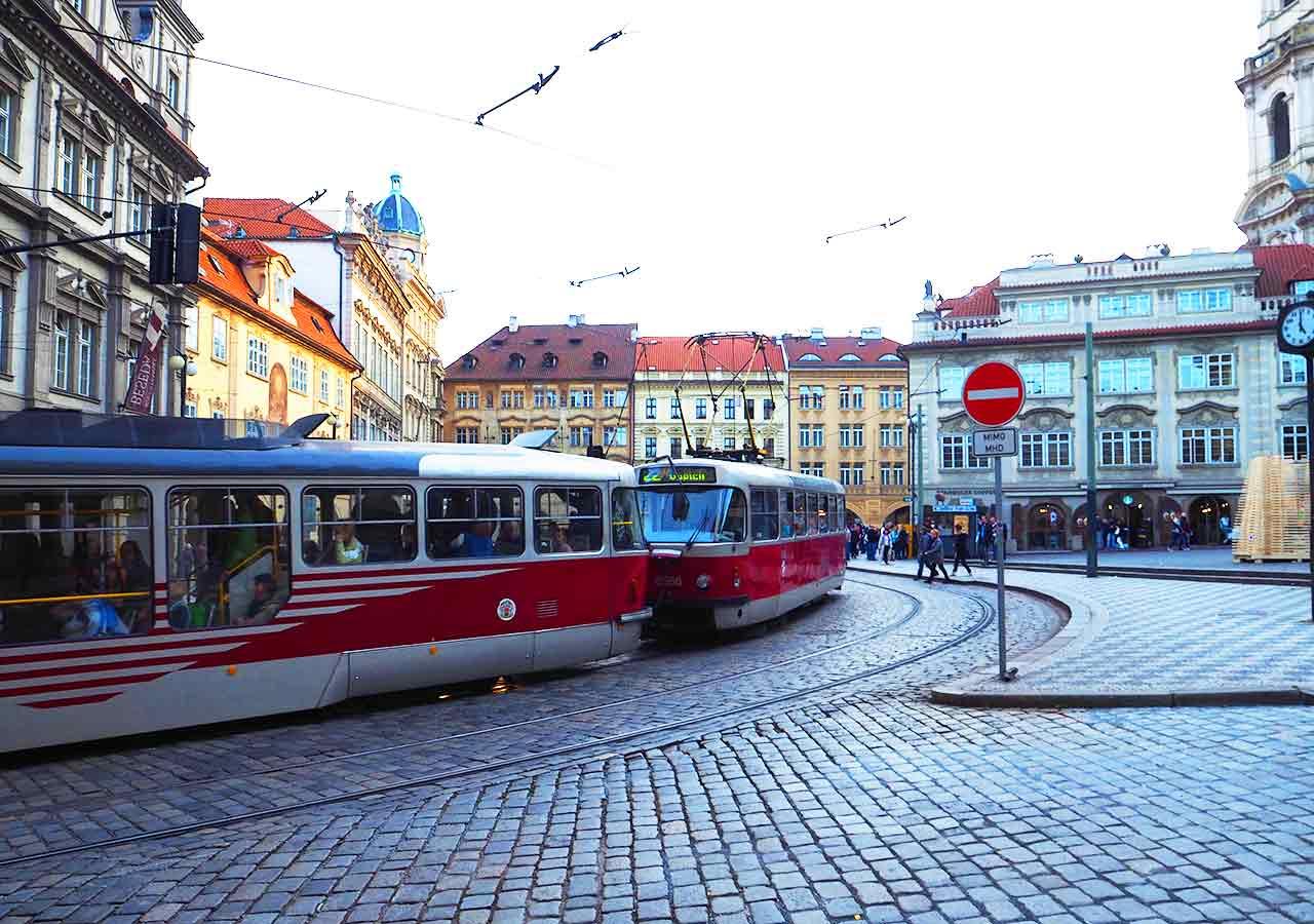 プラハ観光 トラム路線22番