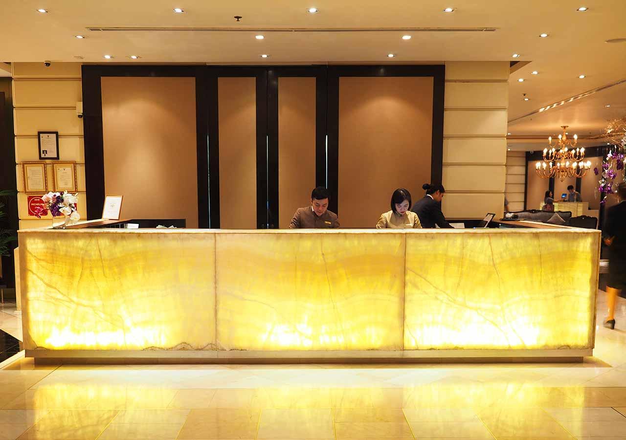 バンコクの5つ星高級ホテル ルブア アット ステート タワー(lebua at State Tower) レセプション