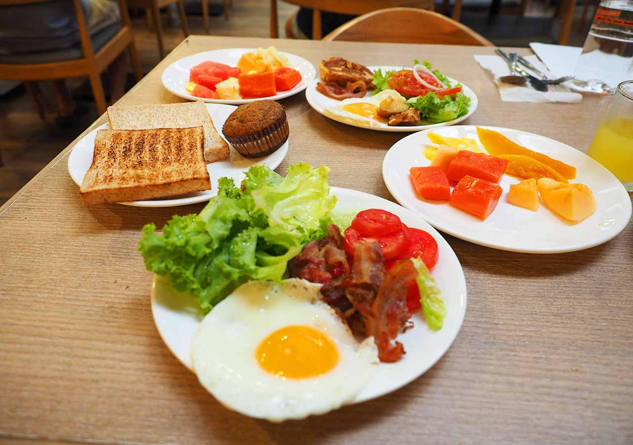 バンコクのおすすめホテル カオサン通り周辺 ニューサイアムパレスヴィル(New Siam Palace Ville) 朝食