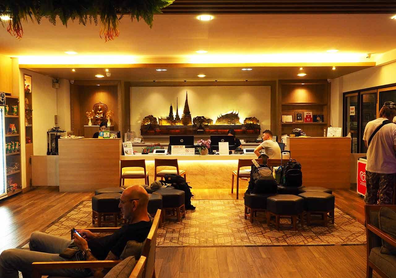 バンコクのおすすめホテル カオサン通り周辺 ニューサイアムパレスヴィル(New Siam Palace Ville) ロビー