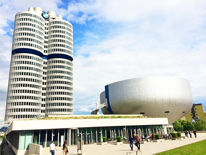 「ミュンヘンのBMW博物館完全ガイド!行き方、工場見学などまとめました」 トップ画像