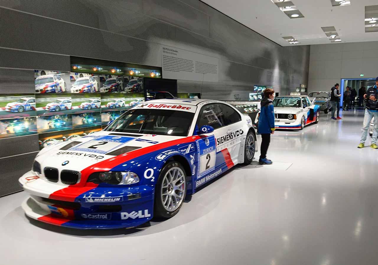 ミュンヘン観光 BMW博物館(BMW Museum)の展示の車