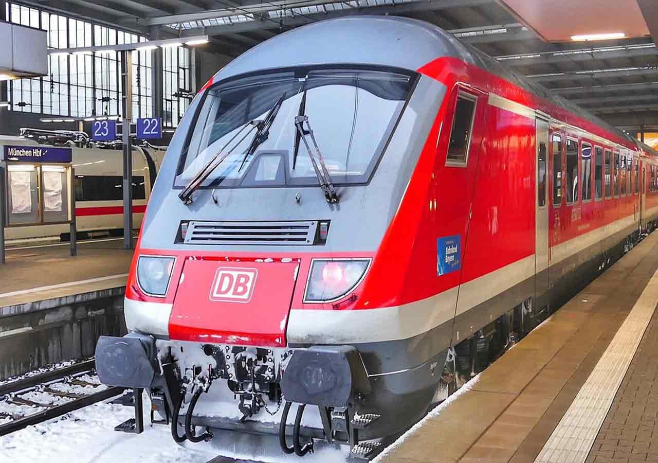 ドイツ鉄道DBの電車の画像