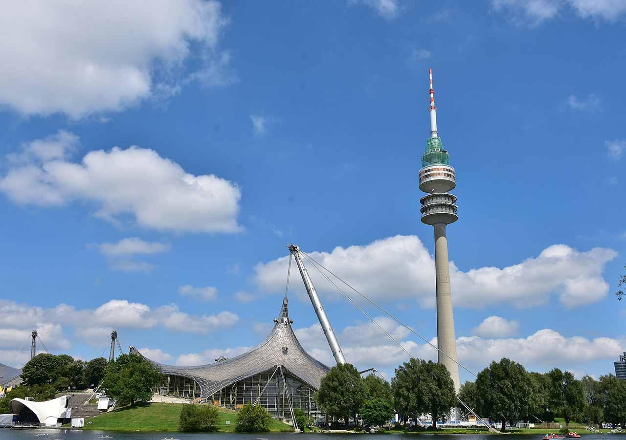 ミュンヘン観光 オリンピック公園 オリンピアシュタディオン(Olympiastadion)とタワー