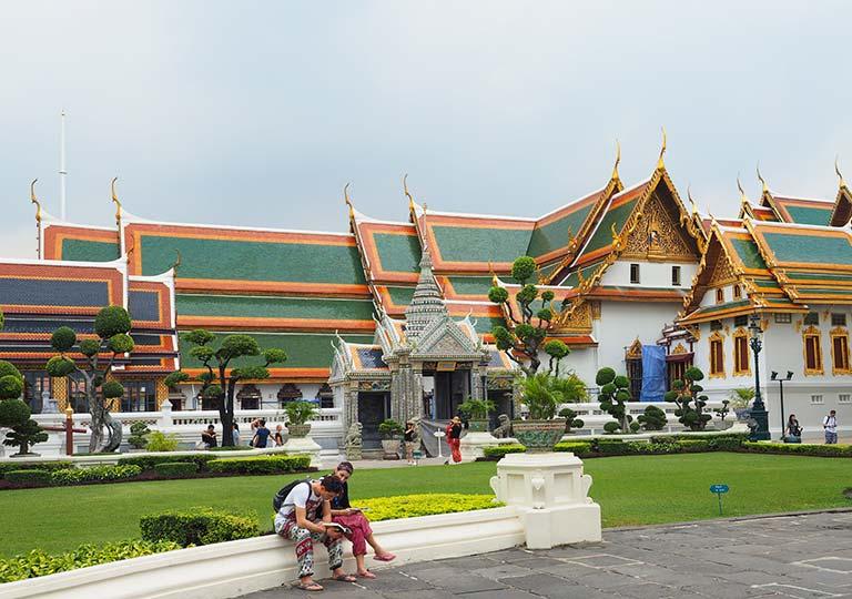 バンコク観光 ワットプラケオ(Wat Phra Kaew) アマリン・ウィニチャイ堂