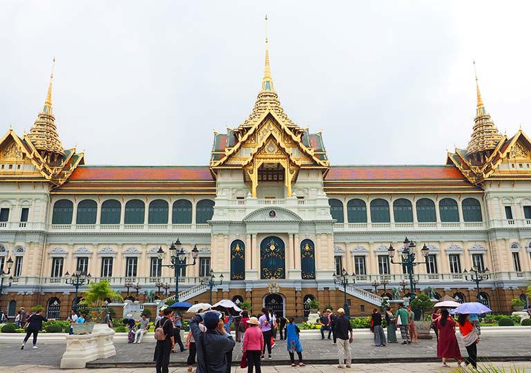 バンコク観光 ワットプラケオ(Wat Phra Kaew) チャクリー・マハー・プラサート宮殿