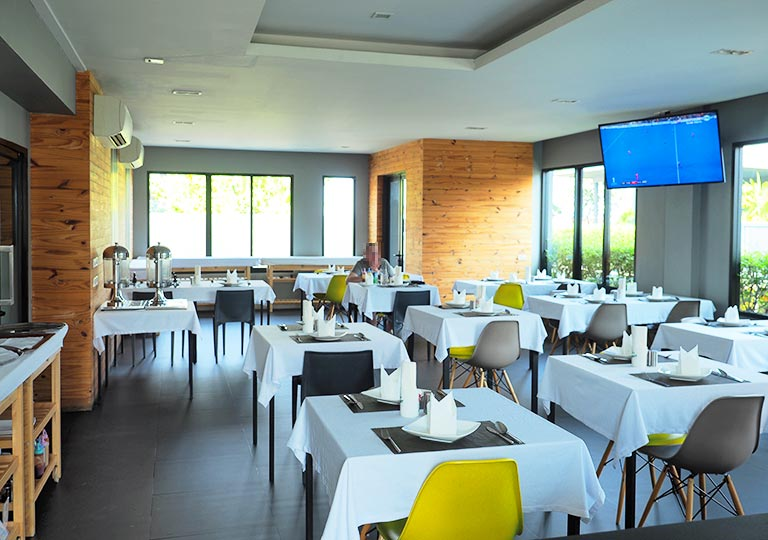 バンコク・シーロムの格安ホテル アイサノック バンコク(iSanook Bangkok)のレストラン