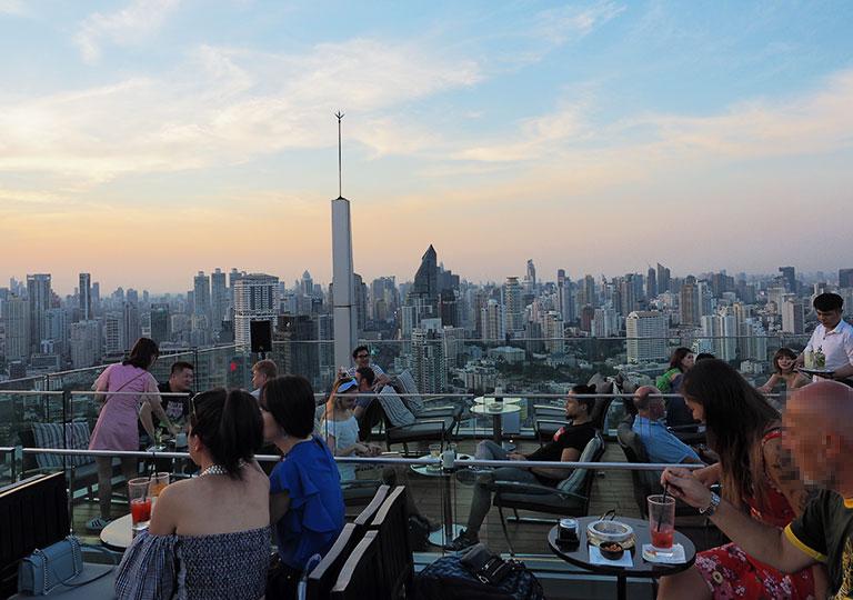 バンコク観光 ルーフトップバー「オクターブ(Octave)」 49階