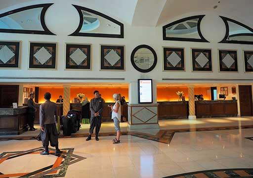 バンコク・アソーク駅近くのおすすめホテル レンブラント ホテル(Rembrandt Hotel) レセプション