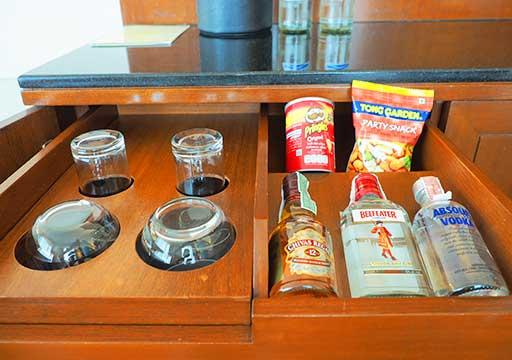 バンコク・アソーク駅近くのおすすめホテル レンブラント ホテル(Rembrandt Hotel) 部屋のアメニティ