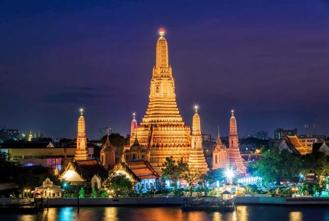 バンコク観光 ワットアルン(Wat Arun) 夜景