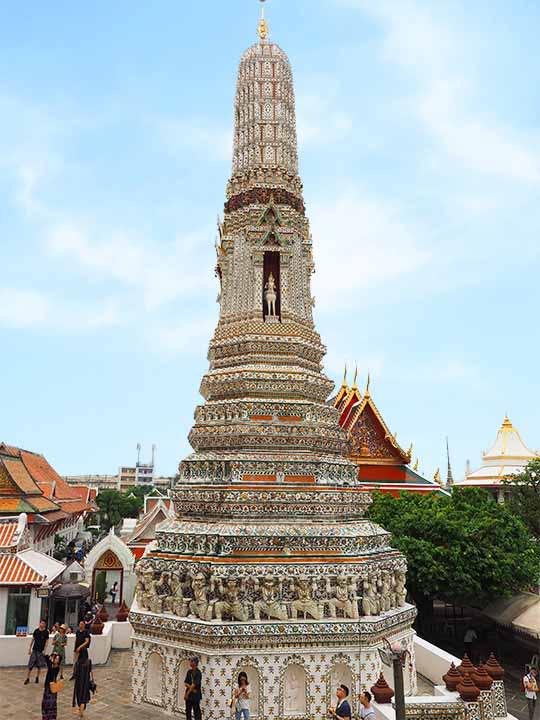 バンコク観光 ワットアルン(Wat Arun)小仏塔