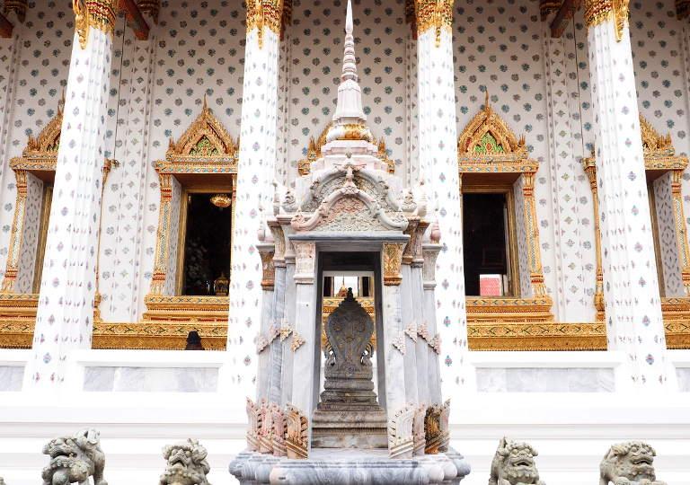 バンコク観光 ワットアルン(Wat Arun)本堂
