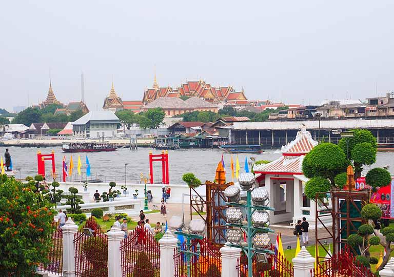バンコク観光 ワットアルン(Wat Arun)大仏塔のテラスからの景色