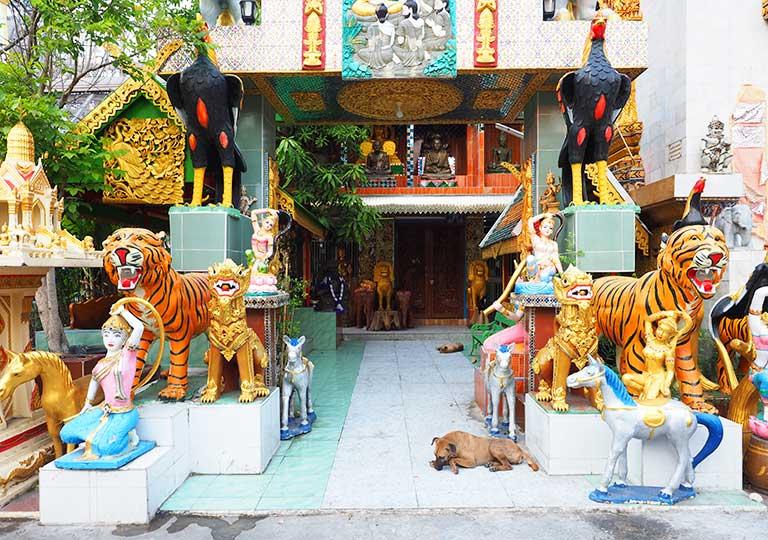 バンコク観光 ワットクンチャン(Wat Khun Chan) 動物の像