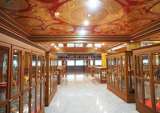 バンコク観光 ワットパクナム(Wat Paknam)3階の展示