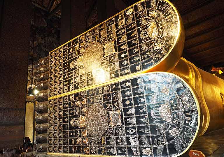 バンコク観光 ワットポー(Wat Pho)大涅槃仏像 足の裏の螺鈿(らでん)細工