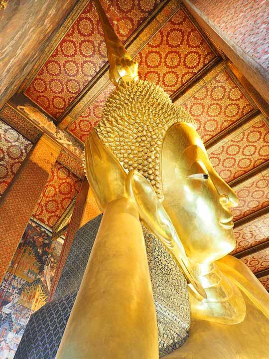 バンコク観光 ワットポー(Wat Pho)大涅槃仏像のご尊顔