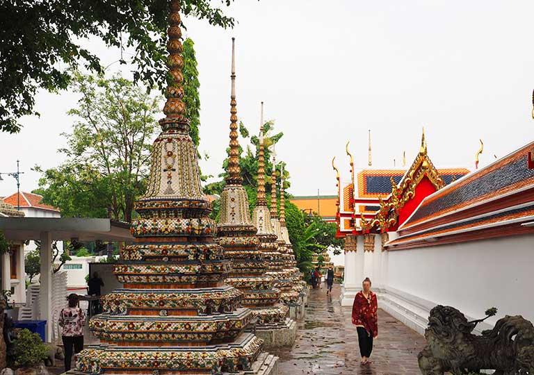 バンコク ワットポーの仏塔群