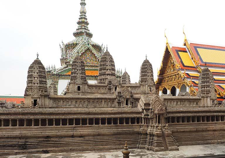 バンコク観光 ワットプラケオ(Wat Phra Kaew) アンコールワットの模型