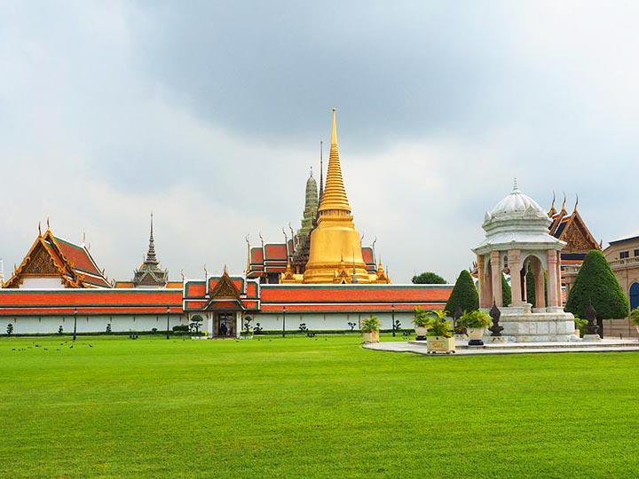 「バンコクのワットプラケオ・王宮完全ガイド!行き方、服装、注意点、見所まとめ」 トップ画像