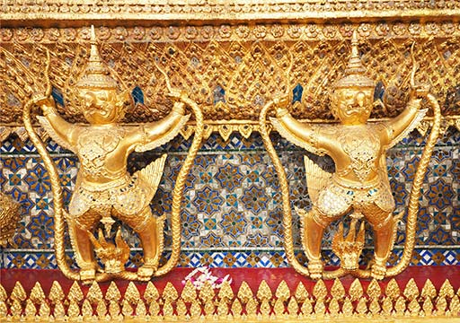 バンコク観光 ワットプラケオ(Wat Phra Kaew) ガルーダ像