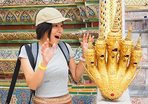 バンコク観光 ワットプラケオ(Wat Phra Kaew) ナーガの像