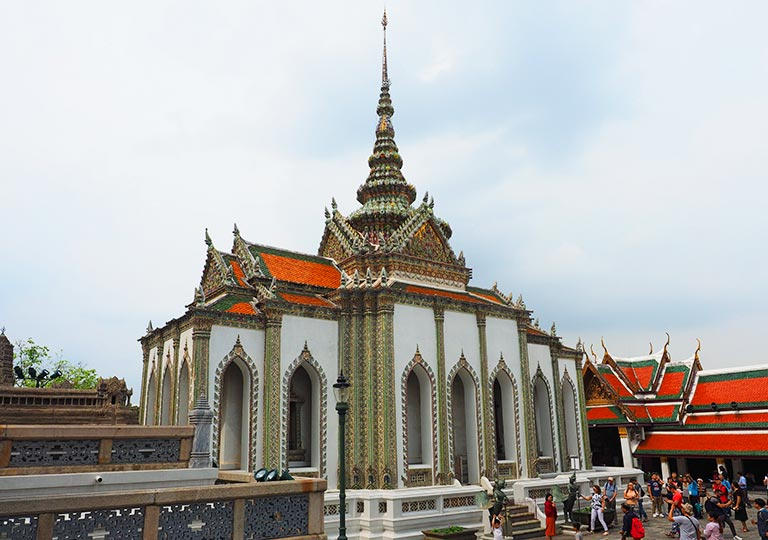 バンコク観光 ワットプラケオ(Wat Phra Kaew) ウィハーン・ヨート