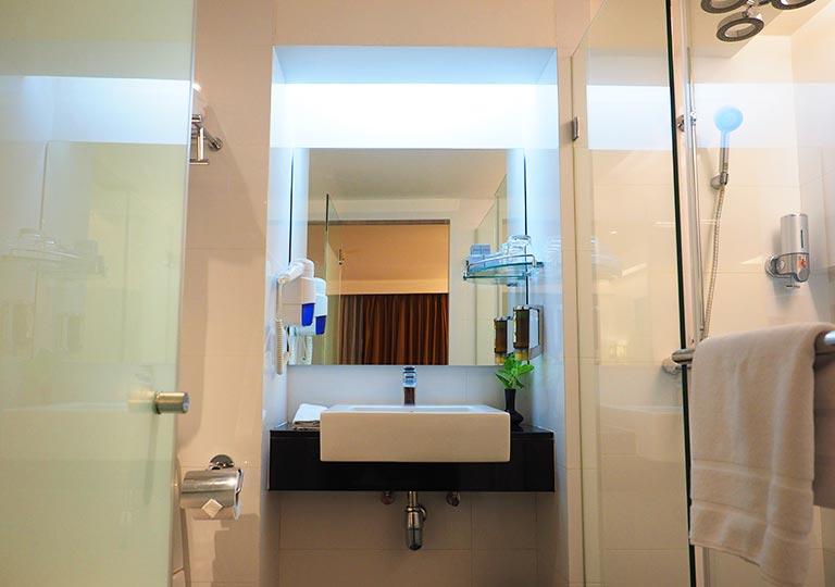 バンコク・スクンビットの格安ホテル シティ ポイント ホテル(CityPoint Hotel) 客室のトイレ・バスルーム