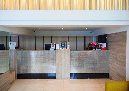 バンコク・スクンビットの格安ホテル シティ ポイント ホテル(CityPoint Hotel) レセプション