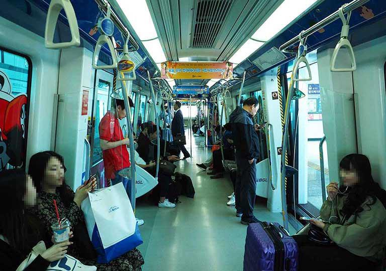 釜山金海空港から市内のアクセス 電車の画像