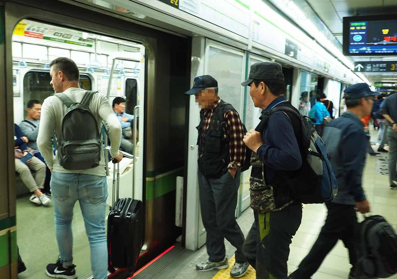 釜山の地下鉄ガイド 釜山の電車の画像