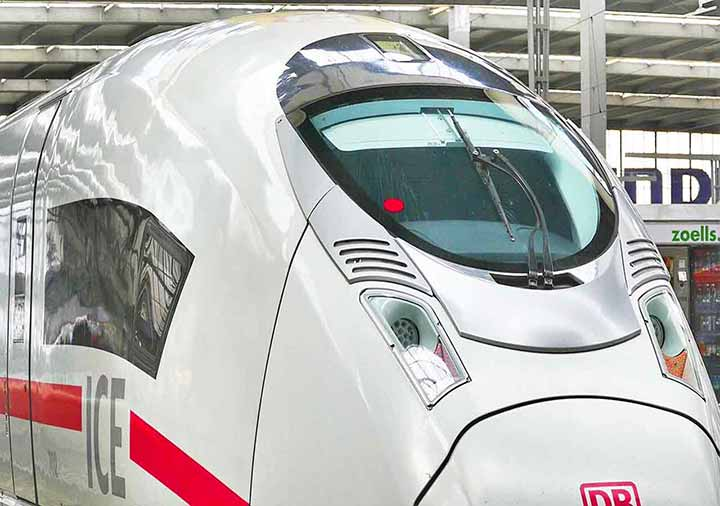 ミュンヘンとベルリンの移動方法 ドイツ鉄道DBのICE列車の画像