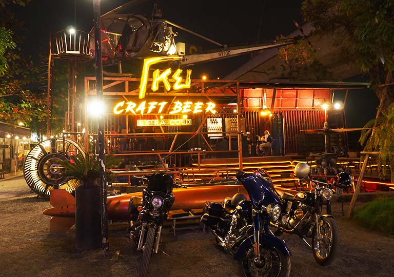 バンコク観光 チャンチューイ・クリエイティブパーク(Chang Chui Creative Park) バー