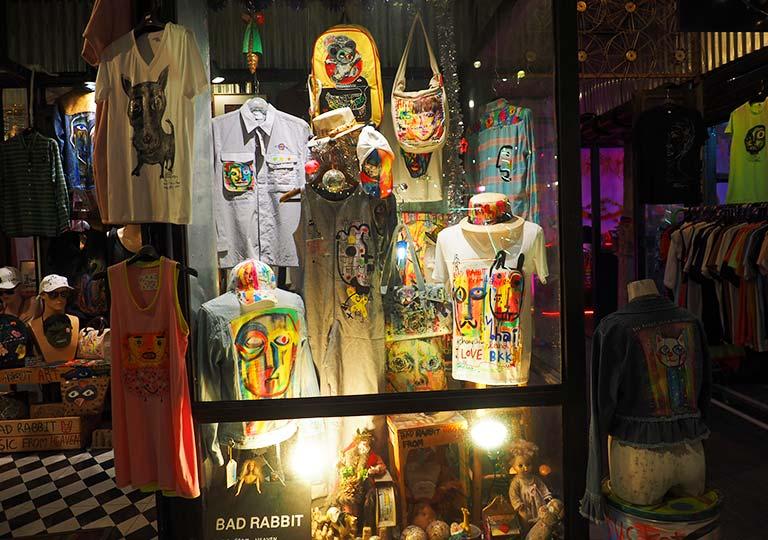 バンコク観光 チャンチューイ・クリエイティブパーク(Chang Chui Creative Park)Tシャツショップ
