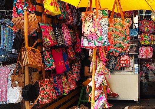 バンコク観光 チャトゥチャックウィークエンドマーケット(Chatuchak Weekend Market) プリントバッグ
