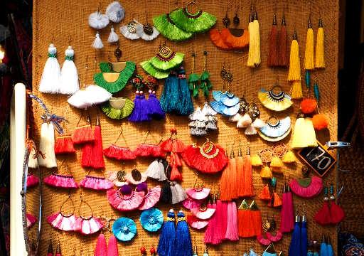 バンコク観光 チャトゥチャックウィークエンドマーケット(Chatuchak Weekend Market) エスニックアクセサリー