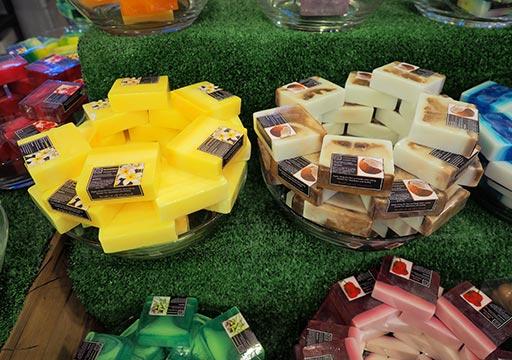 バンコク観光 チャトゥチャックウィークエンドマーケット(Chatuchak Weekend Market) フルーツ石鹸