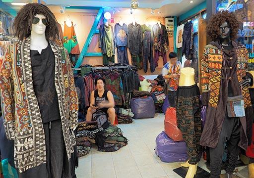 バンコク観光 チャトゥチャックウィークエンドマーケット(Chatuchak Weekend Market) エスニック系の洋服
