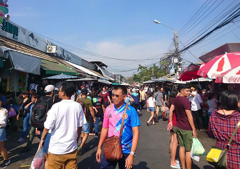 バンコク観光の穴場スポット チャトゥチャックウィークエンドマーケット(Chatuchak Weekend Market)