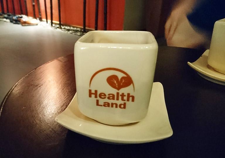 バンコク観光 スパ ヘルスランド・アソーク店 施術後のお茶